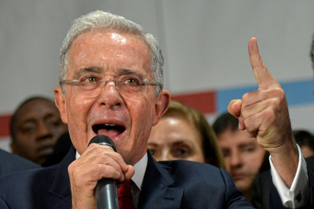 Corte Suprema de Colombia ordena detención domiciliaria contra Álvaro Uribe