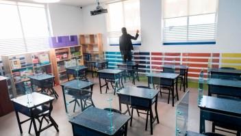 Estudiantes en México aprenderán a través de TV y radio