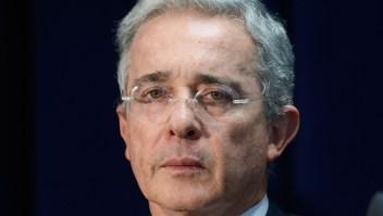 Álvaro Uribe renuncia al Senado de Colombia