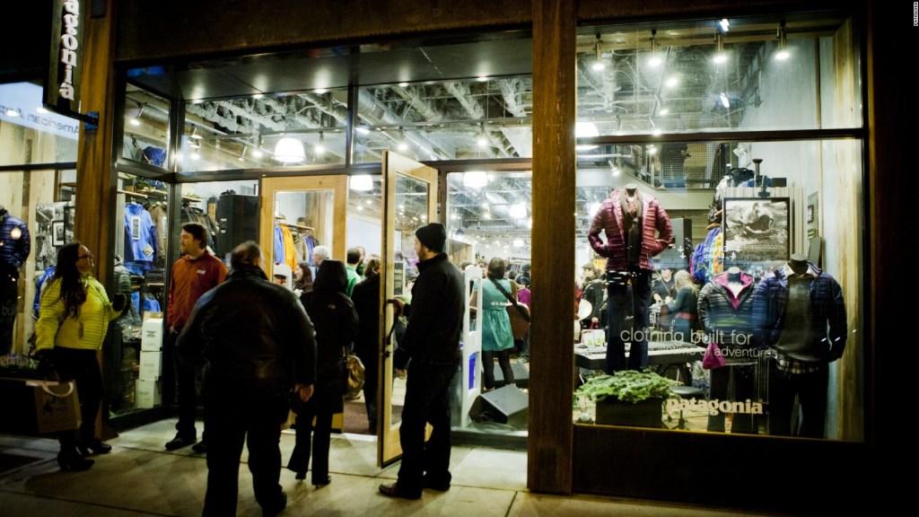 """Patagonia marca ropa polémica etiqueta Patagonia lanza mensaje en sus pantalones: """"Vote para..."""""""