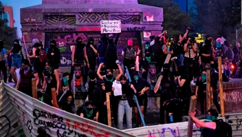 "Grupos feministas realizan la ""antigrita"" en México"