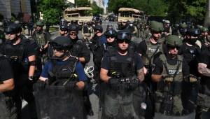 Controversia por operativo para desplazar manifestantes en EE.UU.