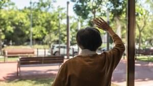 Estudio: más covid-19 en asilos con grupos de minorías