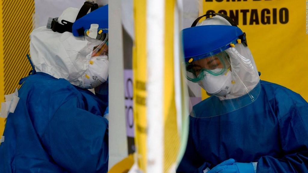 México lidera en muertes de personal médico por covid en la región