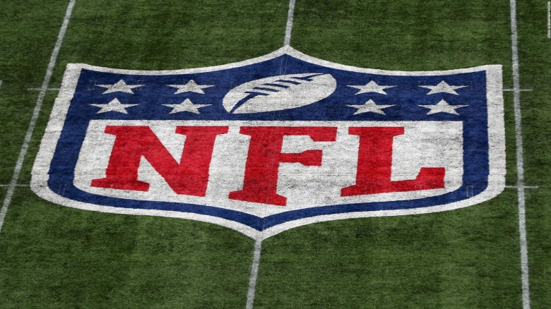 NFL multa a 3 equipos por no usar mascarillas en partidos