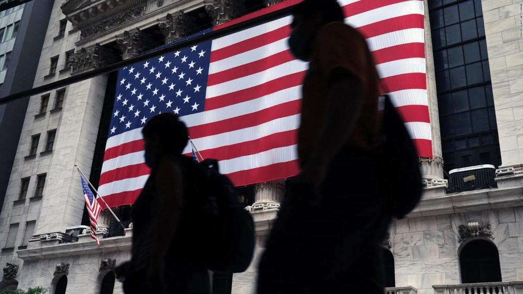 Caen acciones de empresas de tecnología en Wall Street