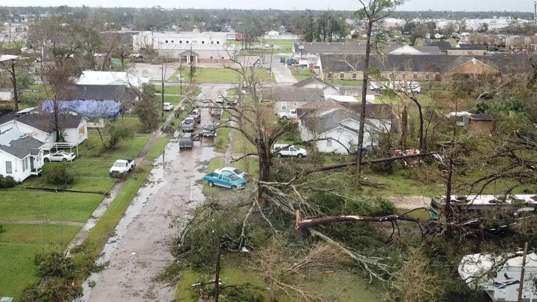 Devastación del huracán Laura se mantiene en Luisiana