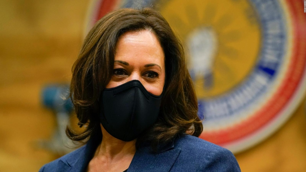 Kamala Harris: Usar mascarilla es un estándar nacional