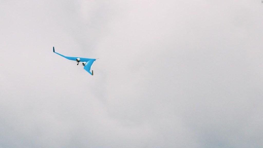 Modelo a escala de avión futurista realiza vuelo exitoso