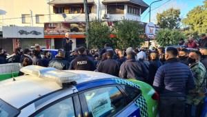Policías de Buenos Aires protestan por mejoras laborales