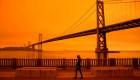 Incendios en la costa oeste dejan al menos 7 muertos