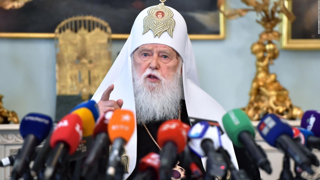 Polémico líder religioso de Ucrania, positivo por covid-19