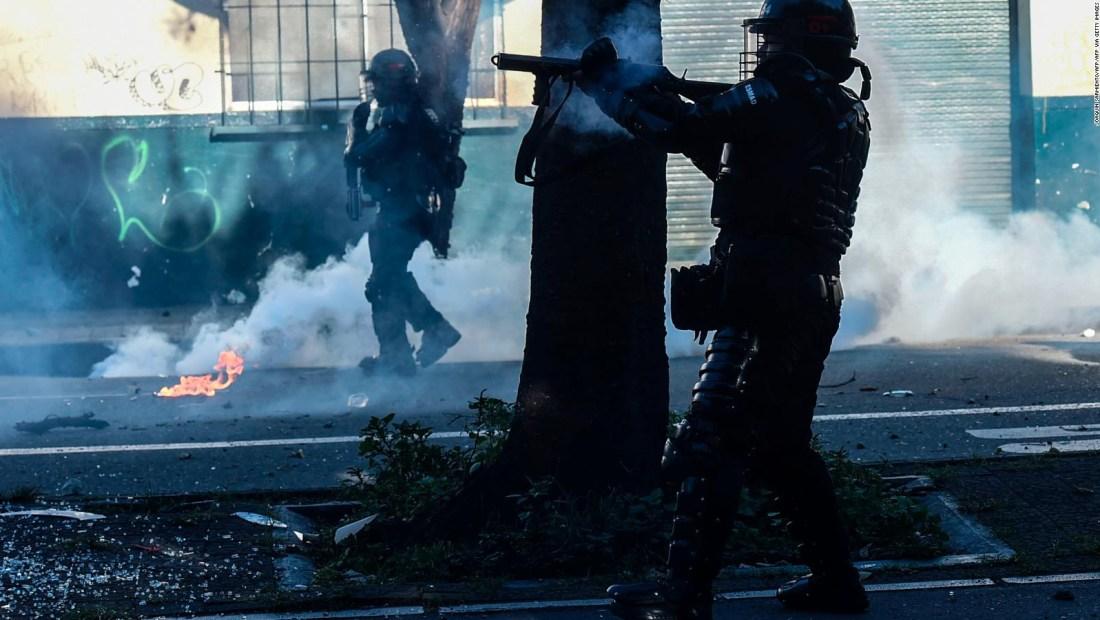 Arden las calles en Bogotá