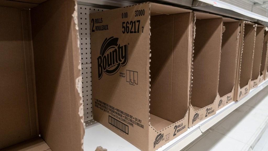 ¿Por qué volvió la escasez de toallas de papel en EE.UU.?
