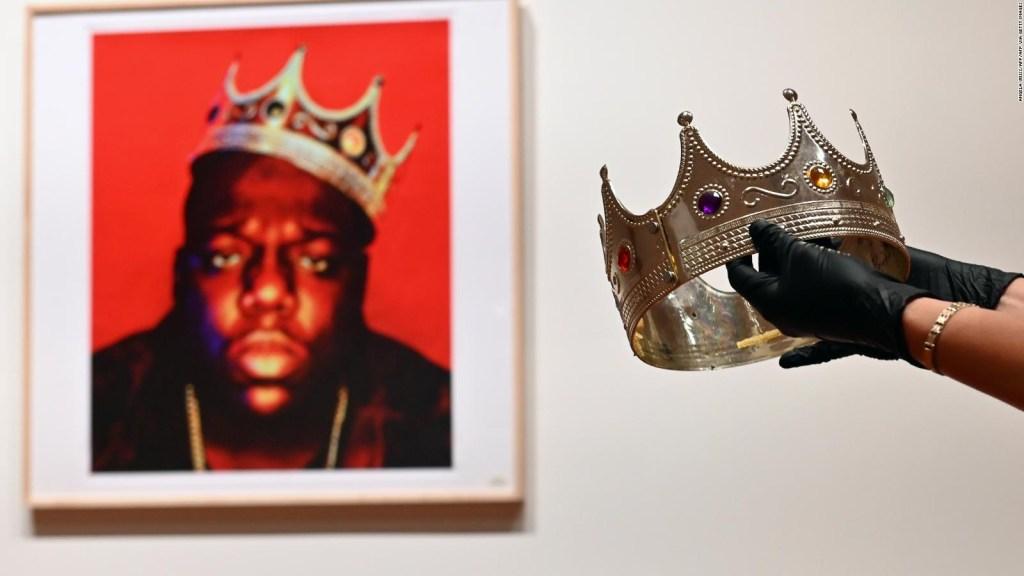 Corona de Notorious B.I.G. se vendió por increíble suma