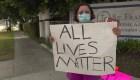 Madre aboga por la vida de todos, incluso la de policías