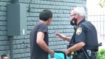 Así ayuda la policía en Texas a las comunidades en crisis