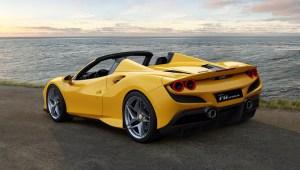 Ferrari añade un nuevo modelo convertible