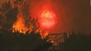 5 cosas: Tornados de fuego en California