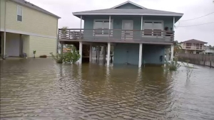 Pronóstico: otra tormenta, cerca de tocar tierra en Texas