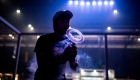 Vapeo y covid-19, ¿existen riesgos para fumadores?
