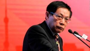 China condena por corrupción a magnate crítico del régimen