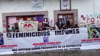 Más mexicanas protestan contra feminicidios en aumento