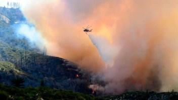 Incendios en EE.UU. afectan a pacientes con covid-19