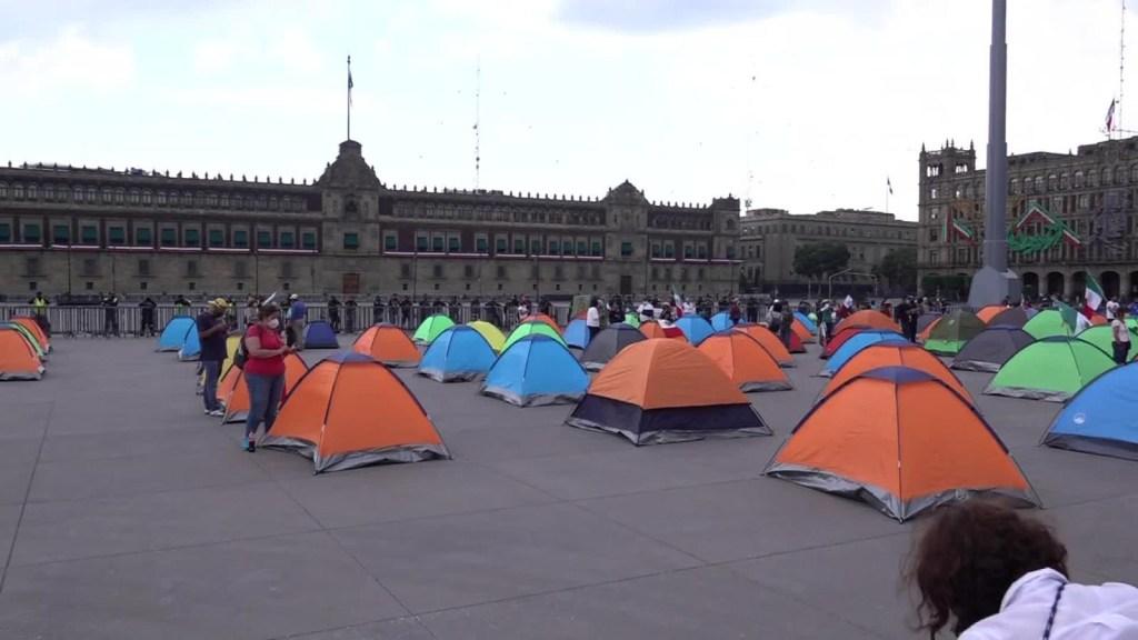 Contingente de Frena llega al Zócalo de Ciudad de México