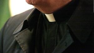 Lo más duro del celibato, según un exsacerdote colombiano