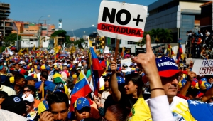 """Diego Arria pide """"rescatar a Venezuela de manos criminales"""""""