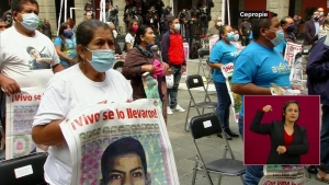 """Caso Ayotzinapa: López Obrador promete """"cero impunidad"""""""
