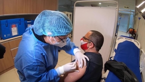 Voluntario peruano de vacuna: Estoy contento de sumar a la causa