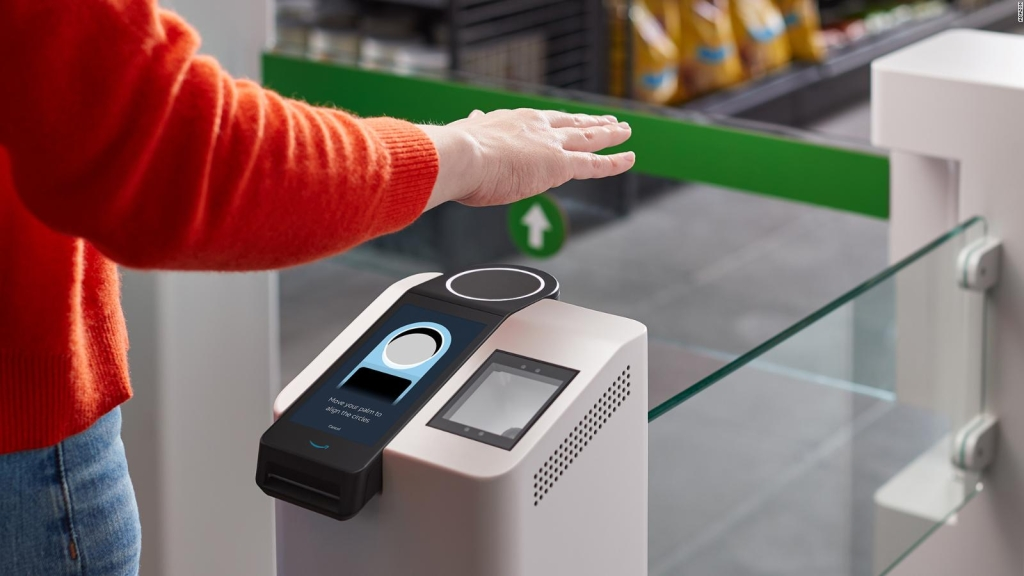 Amazon quiere que pagues con la palma de tu mano
