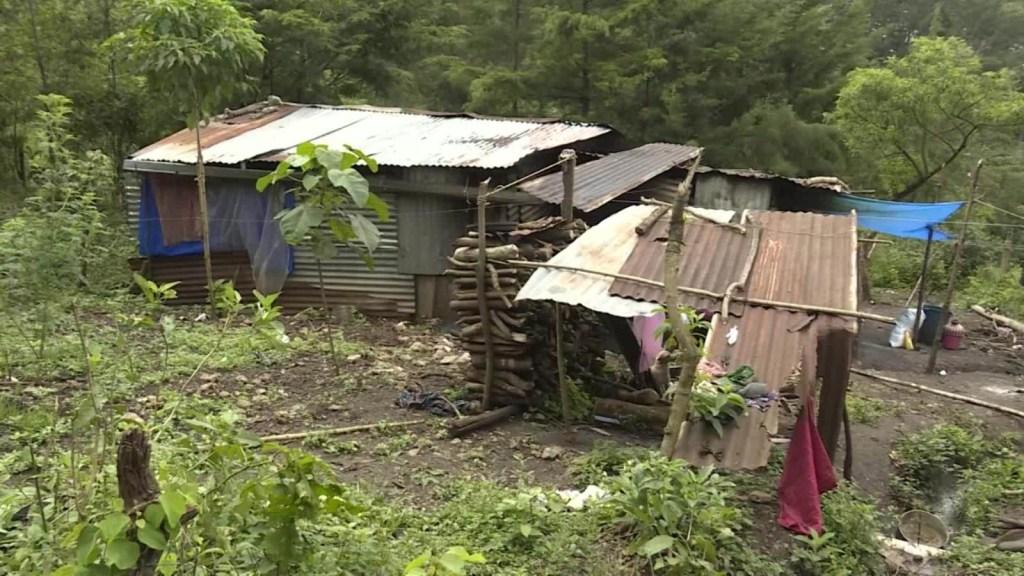 Familia en pobreza extrema espera a sus repatriados