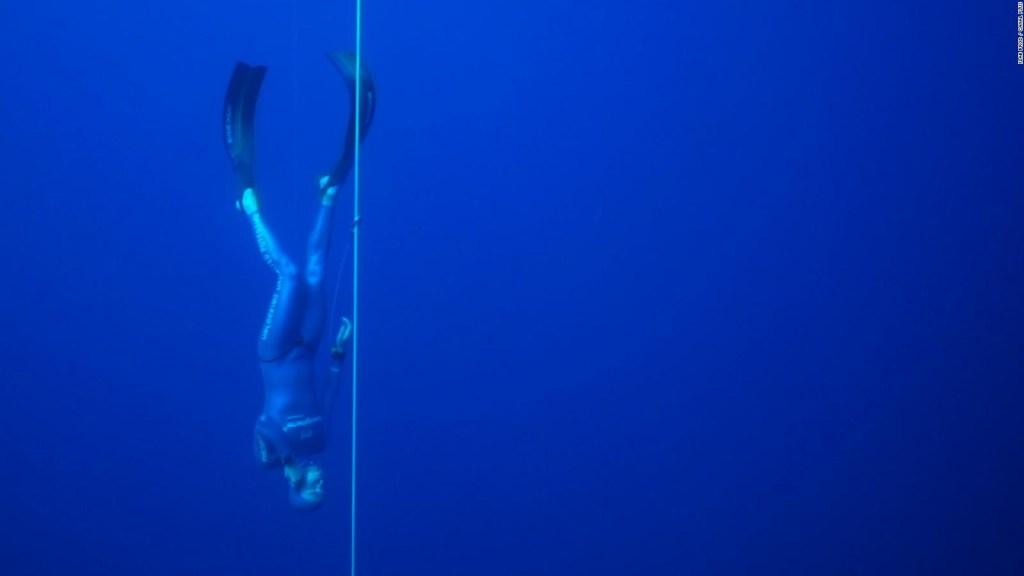 Así es el buceo libre a 112 metros de profundidad