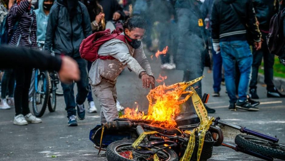 Bogotá vive protestas por muerte de hombre tras presunta brutalidad policial