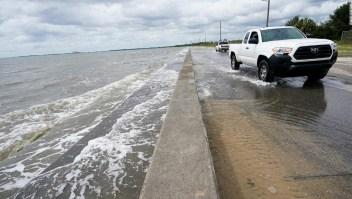 Mientras el huracán Sally azota la costa del Golfo, un hombre que perdió su casa con Katrina dice que todo lo que puede hacer es prepararse
