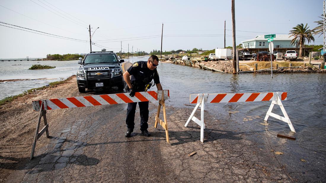 La tormenta tropical Beta toca tierra en Texas el lunes por la noche