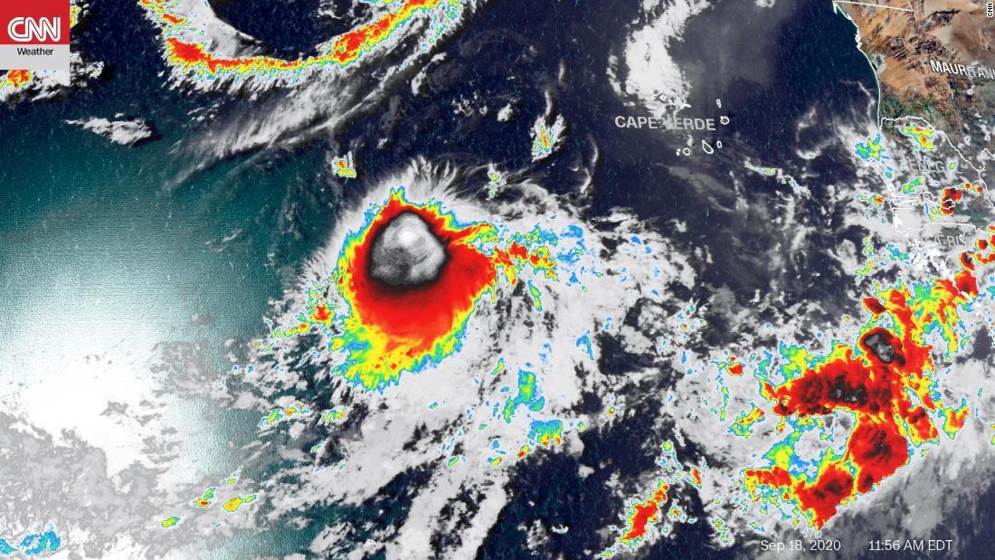 nombres-huracanes-temporada-2020