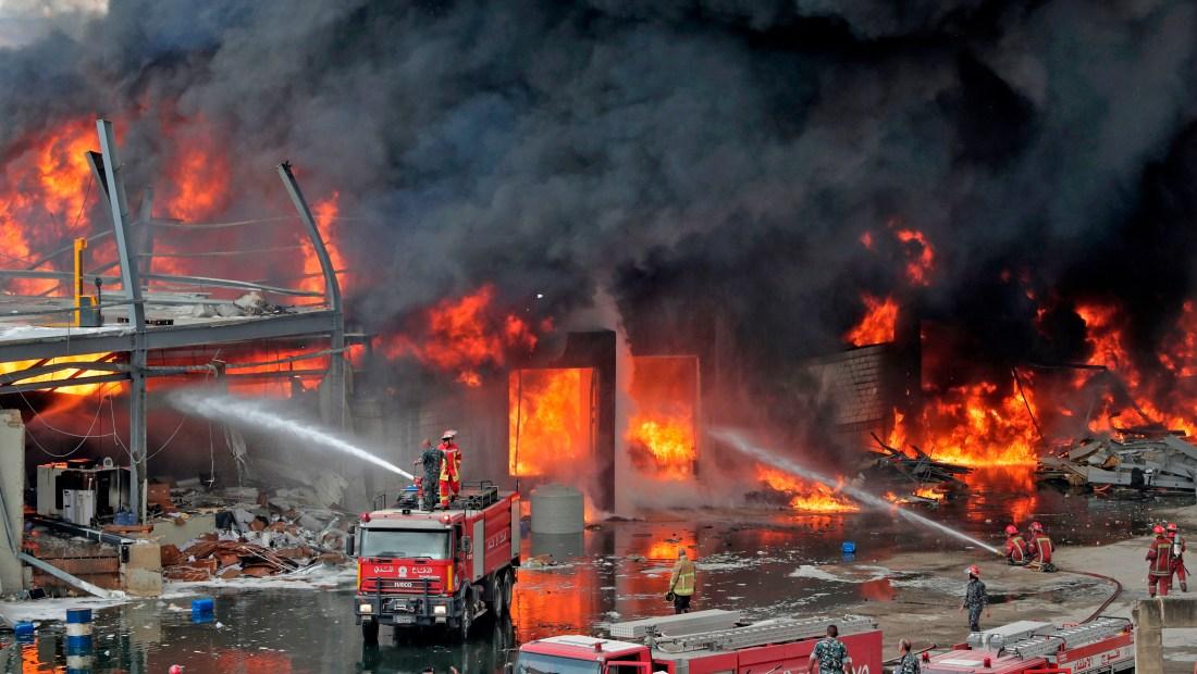 Incendio en Beirut: llamas en un depósito en el puerto de la capital