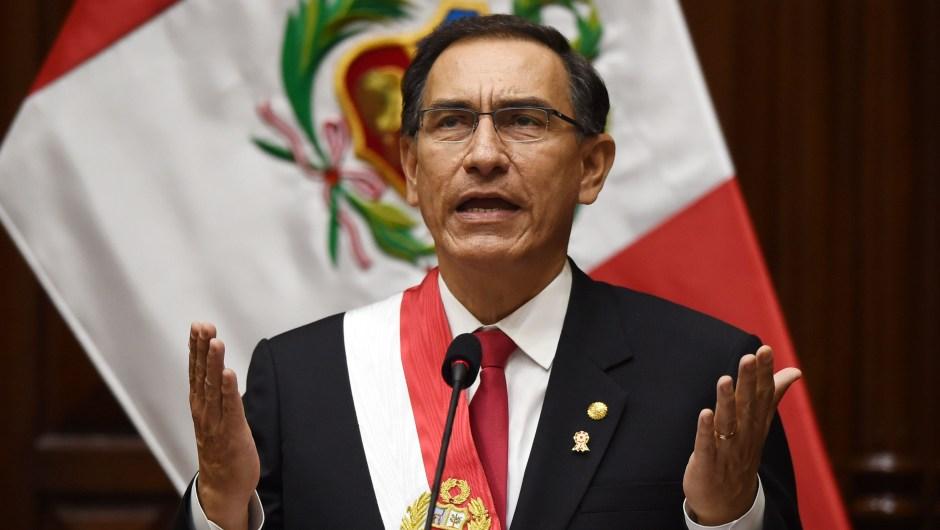 Ministra de Justicia de Perú sale en defensa de Vizcarra