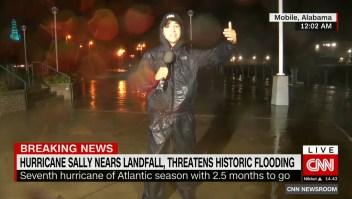 Sally se acerca lentamente a tierra con fuertes lluvias y podría provocar inundaciones