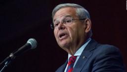 Senador Menéndez cuestiona deportación de venezolanos