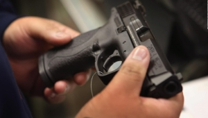 EE.UU.: aumenta la venta de armas por la pandemia