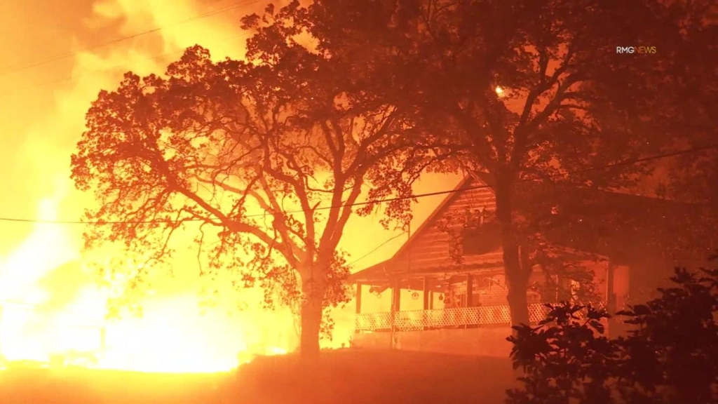 Incendios Glass y Zogg azotan a Californa
