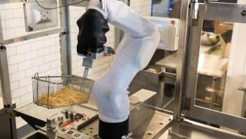 Un robot experto en hamburguesas