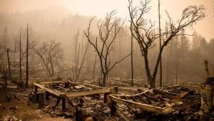 5 cosas: Incendios en California, Tormenta Alex y más