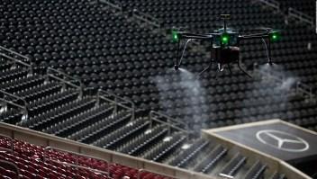 El estadio Mercedes-Benz utiliza drones desinfectantes contra el coronavirus