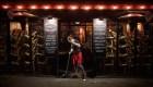 Crecen los contagios y París evalúa nuevas restricciones